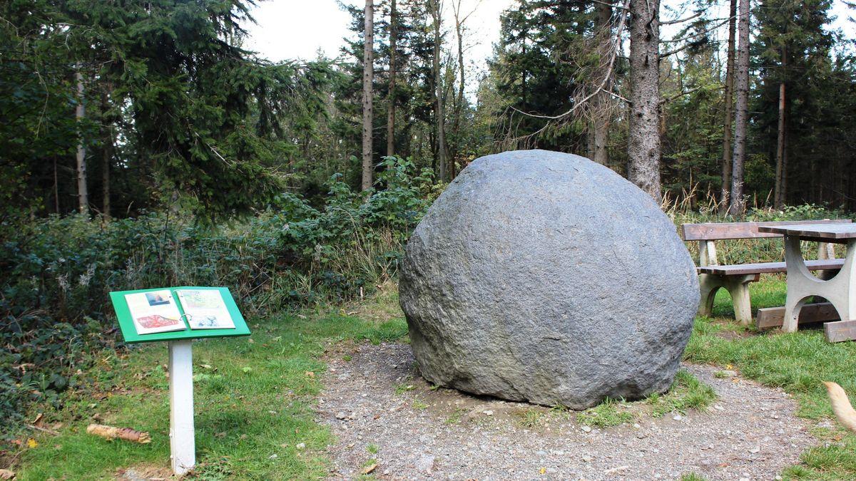 Steinlehrpfad