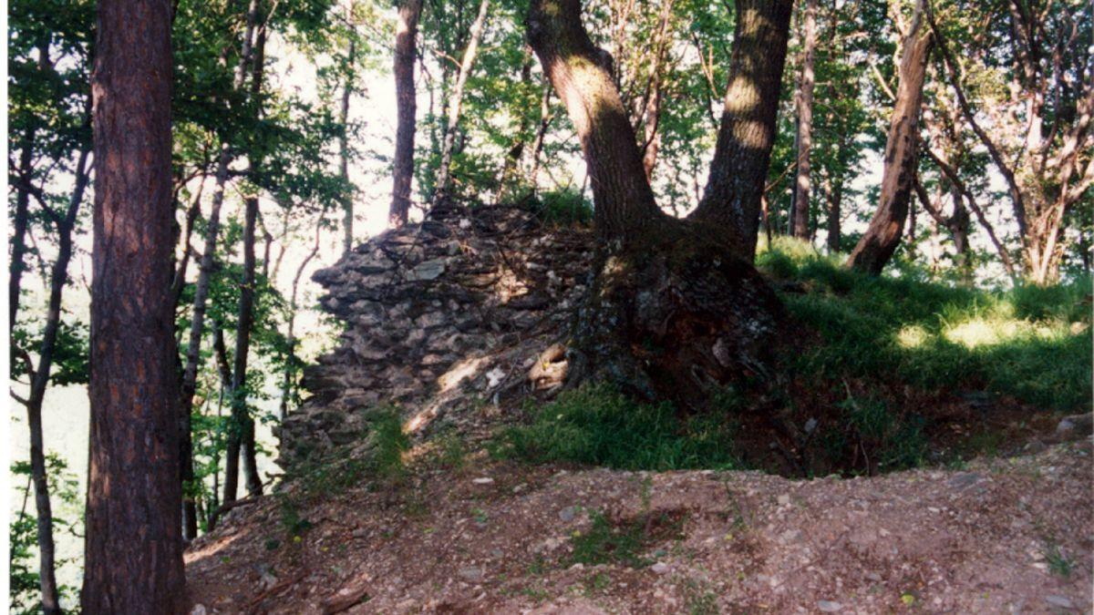 Überreste des Öden Schlosses